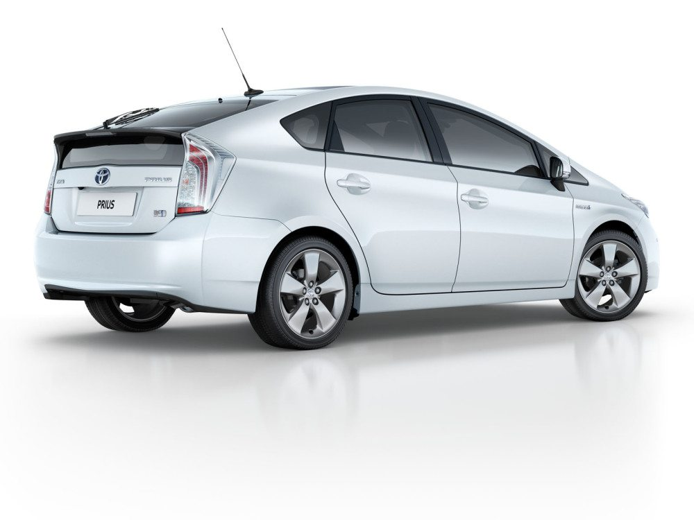 toyota-prius-2012-exterior-tme-006-full_tcm376-1105919