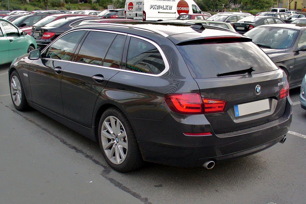 Macht auch von hinten eine gute Figur: der BMW 535d. (Bild: Thomas Doerfer / Wikimedia / CC)