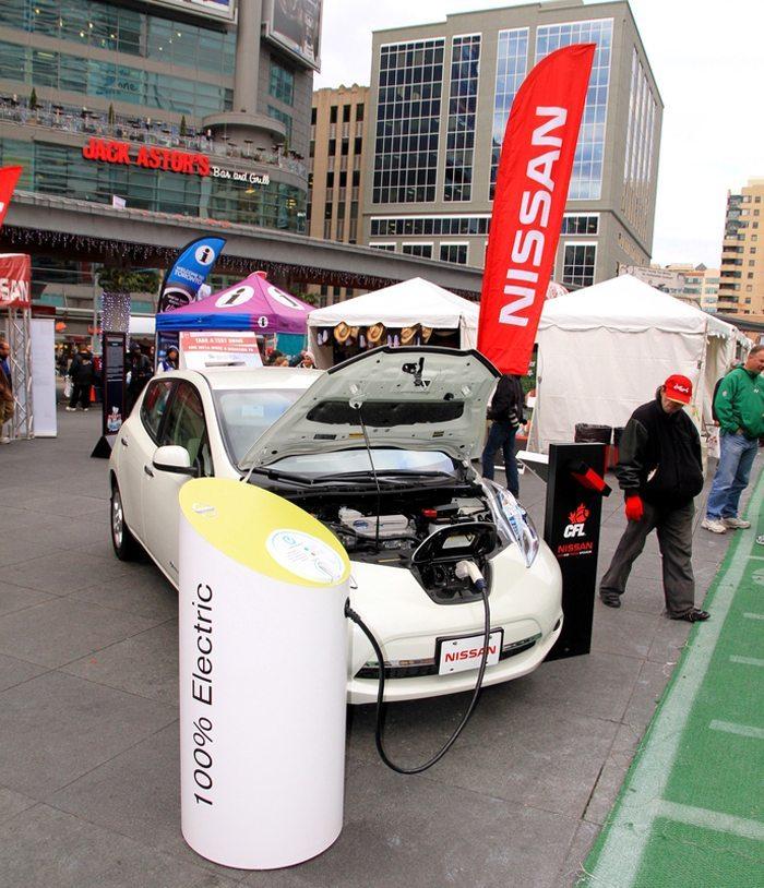 Nissan Leaf – umweltfreundlich aber doch kein Wagen für Langstrecken (Bild: ValeStock / Shutterstock.com)