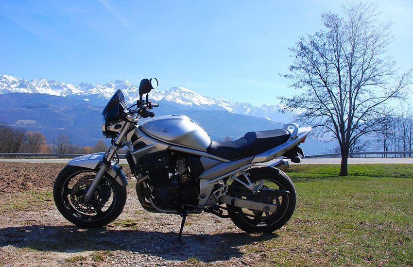 Suzuki GSF Bandit 650 (Bild: Julienlestefanois, Wikimedia, GNU)