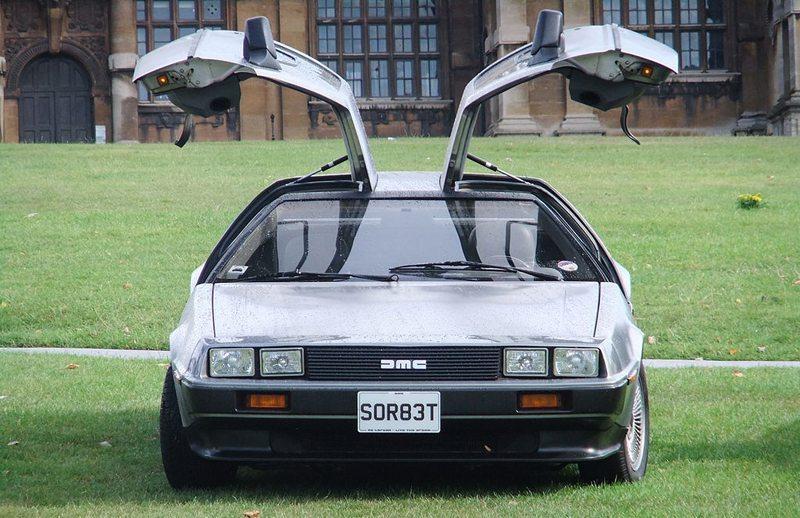 Zurück in die Zukunft – DeLorean DMC-12 (Bild: Lee Haywood, Wikimedia, CC)