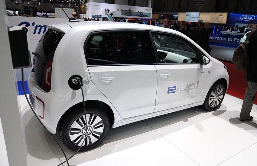 Der e-up! ist der elektronische Cityflitzer des Volkswagen-Konzerns (Bild: Norbert Aepli, Wikimedia, CC)