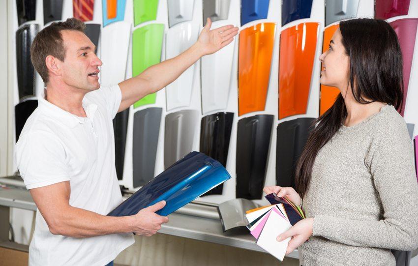 Car-Wrapping - Die Arbeit den Profis überlassen. (Bild: Ikonoklast Fotografie / Shutterstock.com)
