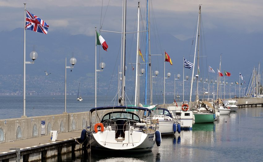 Boote sollten am Liegeplatz jederzeit so gut wie möglich gesichert sein. (Bild: Christian Musat / Shutterstock.com)