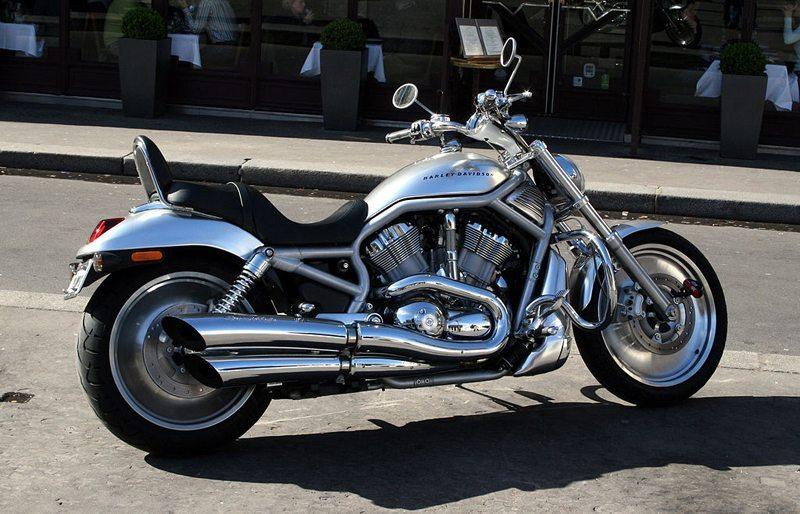 Harley-Davidson V-Rod (Bild: Remi Jouan, Wikimedia, CC)