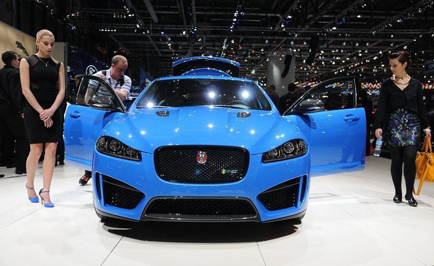 Jaguar XF Sportbrake – Frontansicht (Bild: Norbert Aepli, Wikimedia, CC)
