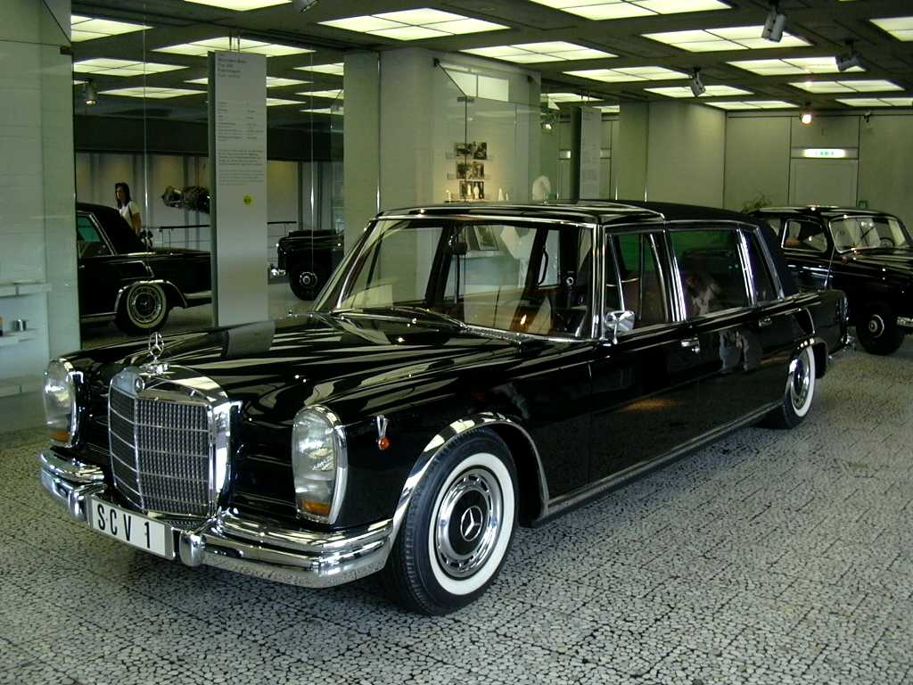 Mercedes 600-W100-Mortinson-wikimedia.org