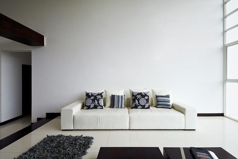 das sofa der hingucker im wohnzimmer. Black Bedroom Furniture Sets. Home Design Ideas