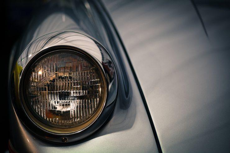 Schutz für alte Autos - mit einer Oldtimer Versicherung. (Bild: © Alexandru Nika - shutterstock.com)