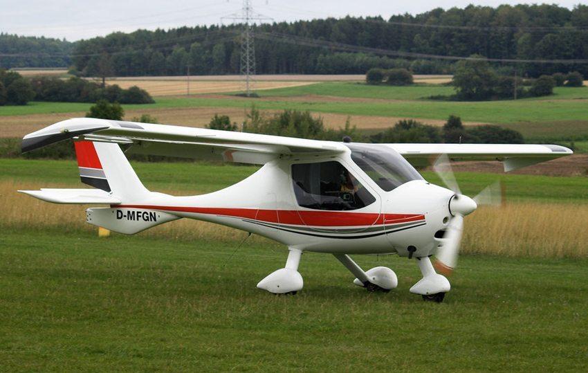 Ultraleicht-Flugzeug – Flight Design CTSW (Bild: Juergen Lehle, Wikimedia, CC)
