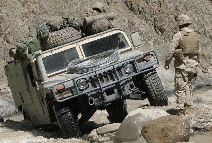 HMMWV Typ M998 (Bild: Cpl. James L. Yarboro, U.S. Marine Corps, Wikimedia)
