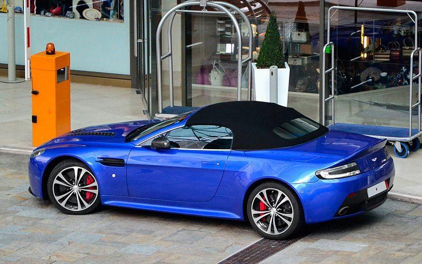 Aston Martin V12 Vantage Roadster (© Alexandre Prévot, Wikimedia, CC)