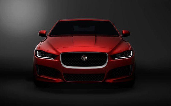 Mit dem Jaguar XE erweitert der Hersteller sein Portfolio um eine Mittelklasse-Limousine. (Bild: Jaguar MENA, Wikimedia, CC)