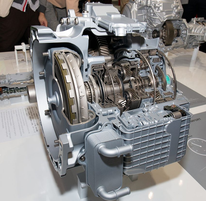 ZF Neun-Gang-Getriebe auf Tokio Motor Show 2013 (Bild: Morio, Wikimedia, CC)
