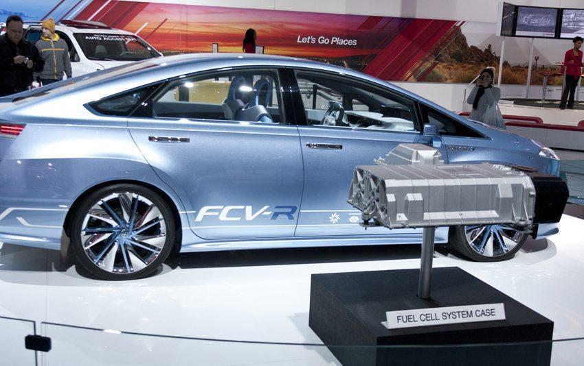 Toyota FCV-R auf North American Auto Show 2013 in Detroit (Bild: Robert Gubbins / Shutterstock.com)