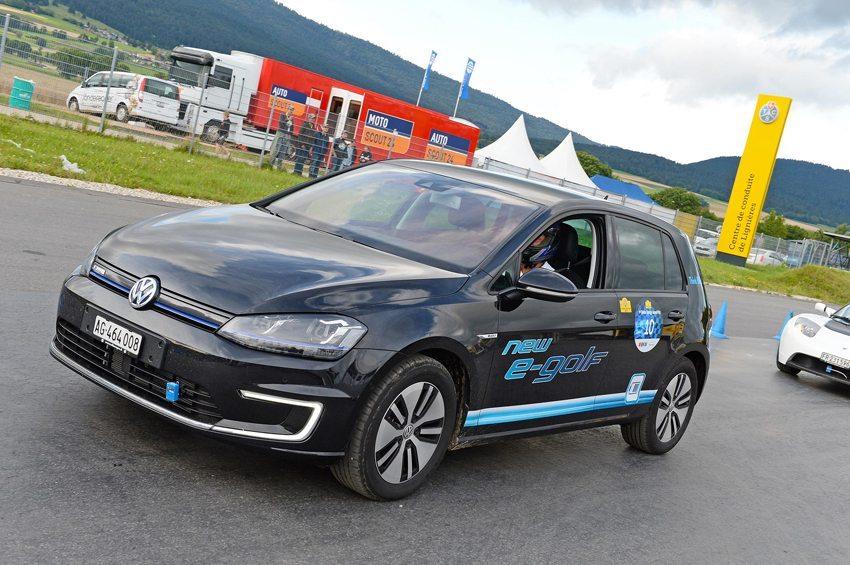Der neue e-Golf beim 1. Swiss Energy Grand Prix 2014 (Bild: nyou ag)