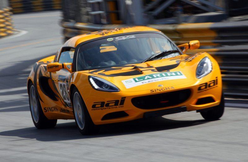Wenn es im Motorsport um das Erreichen von Höchstgeschwindigkeiten, ist sicherlich mehr Antriebskraft gefragt als im zivilen Verkehr auf öffentlichen Strassen. (Bild: sippakorn / Shutterstock.com)