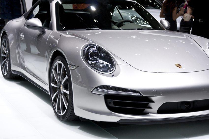 Die Basis für das Schweizer Sondermodell bildet der 911 Carrera 4S (Bild: Robert Gubbins / Shutterstock.com)