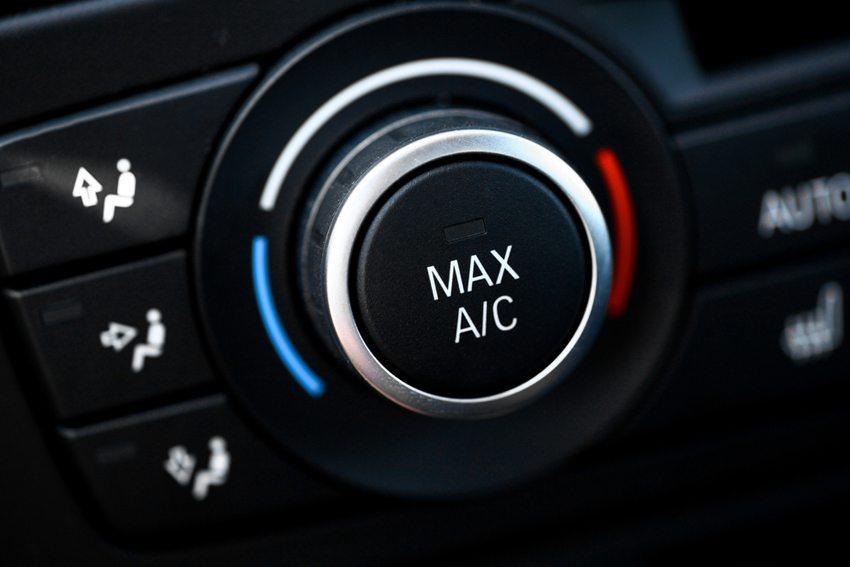 Schalten Sie die Klimaanlage nur dann ein, wenn es unbedingt notwendig ist. (Bild: Alexandru Nika / Shutterstock.com)
