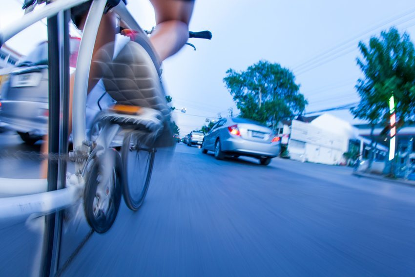 Auch die Radfahrer sind gefragt, wenn es um mehr Verkehrssicherheit geht. (Bild: naito8 / Shutterstock.com)