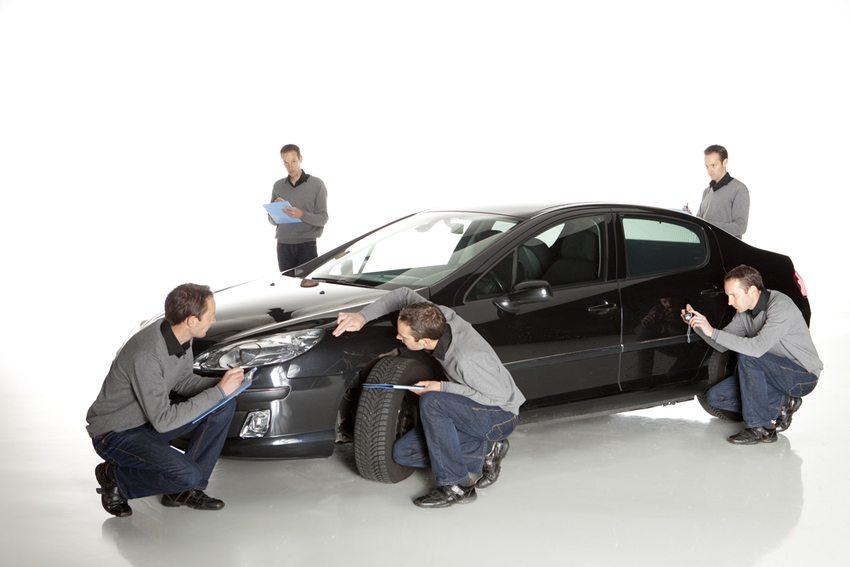 Kurzgutachten erhöht Verkaufschancen. (Bild: Photodiem / Shutterstock.com)