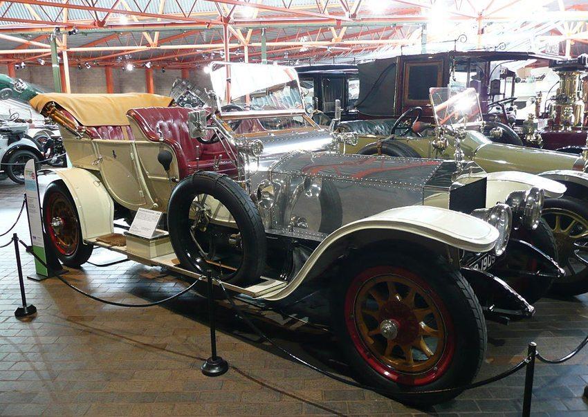 Rolls-Royce Silver Ghost aus dem Jahr 1909 (Bild: Przemek Jahr, Wikimedia)