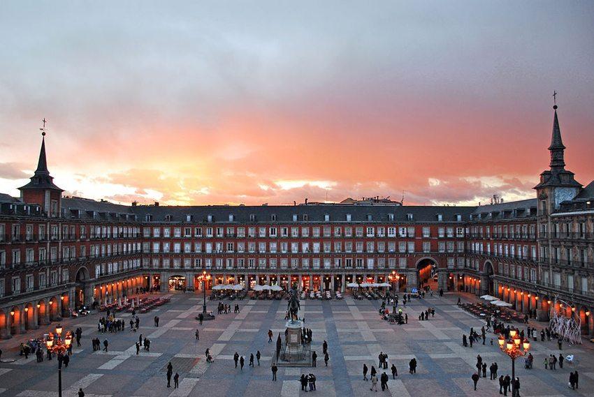 Plaza Mayor in Madrid (Bild: Sebastian Dubiel, WIkimedia, CC)