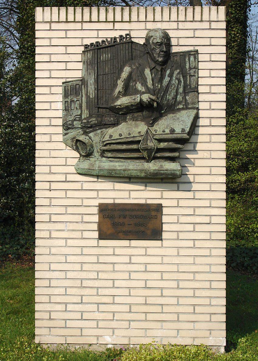 Denkmal für Carl Friedrich Wilhelm Borgward in Bremen an der Mercedesstrasse. (Bild: Jürgen Howaldt, Wikimedia, CC)