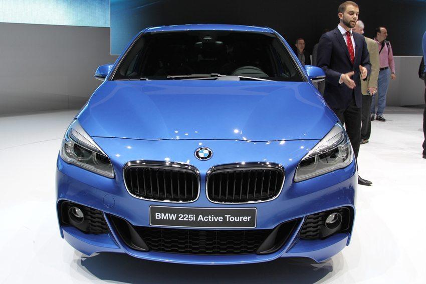 BMW 2er Active Tourer – Frontansicht (Bild: Zavatskiy Aleksandr / Shutterstock.com)