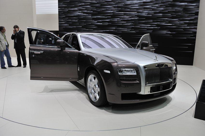 "Rolls-Royce ""Ghost"" 2009 (Bild: Max Earey / Shutterstock.com)"