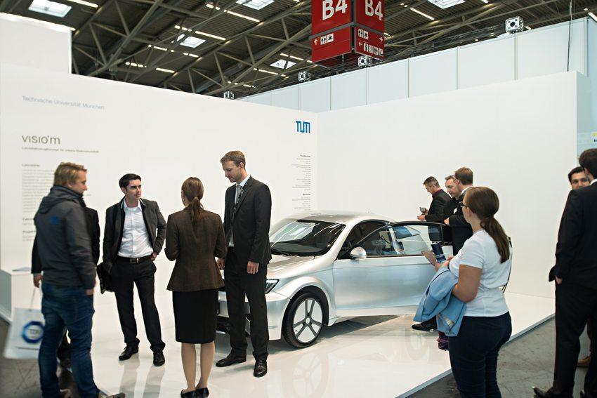 Präsentation des E-Cars Visio.M auf der Elektromobilitätsmesse eCarTec Munich (Bild: TUM Technische Universität München)