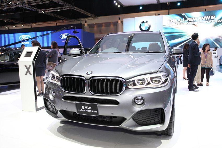 Mit dem neuen BMW X5 M ist BMW ein wahrlich grosser Wurf gelungen. (Bild: bankerwin / Shutterstock.com)