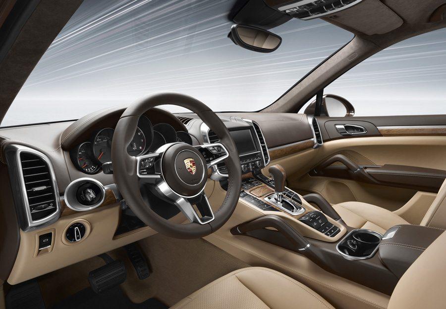 Porsche Cayenne Plug-in-Hybrid 2015 – Innenraumansicht (Bild: Porsche Media Central)
