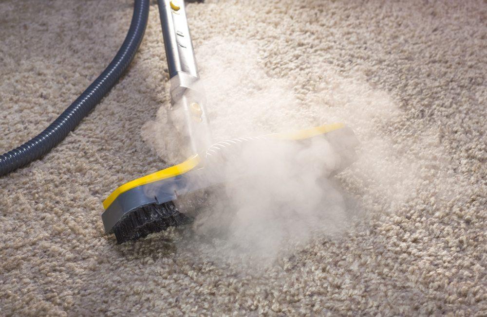 Dampfreiniger, praktische Helfer bei der Schmutzbeseitigung (Bild: © Sergey Yechikov - shutterstock.com)