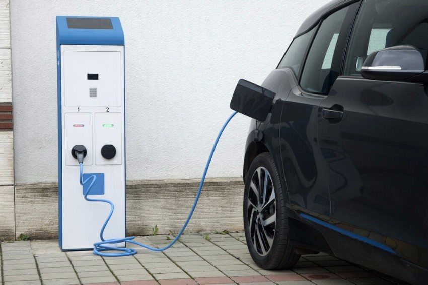 Warum machen Elektroautos überhaupt Sinn? (Bild: © otomobil - shutterstock.com)
