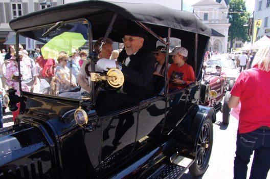 Die Gratis-Passagierfahrten sind das Highlight für die kleinen und grossen ZuschauerInnen am O iO. (Bild: www.O-iO.ch)