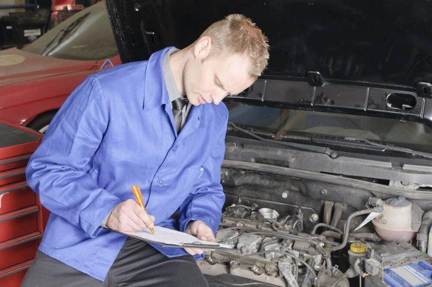 Der Beruf des Automechatronikers eröffnet Möglichkeiten der Weiterbildung und Spezialisierung. (Bild: © runzelkorn - shutterstock.com)