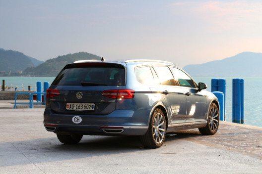 VW bietet mit dem Passat Variant ein vielseitiges und technisch fortschrittliches Auto an.