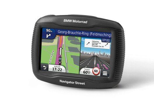 Für BMW-Motorräder bietet BMW ein kostengünstiges Einstiegs-Navigationsgerät an. (Bild: © BMW Group)
