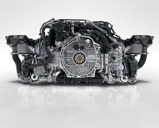911 Carrera S: 3,0-Liter-Sechszylinder-Biturbo-Boxermotor mit 420 PS (309 kW) (Bild: © Porsche Schweiz)