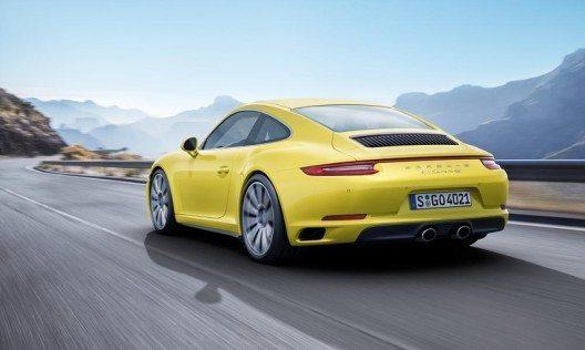 In den neu entwickelten Boxermotoren stecken mehr als vier Jahrzehnte Porsche-Erfahrung.