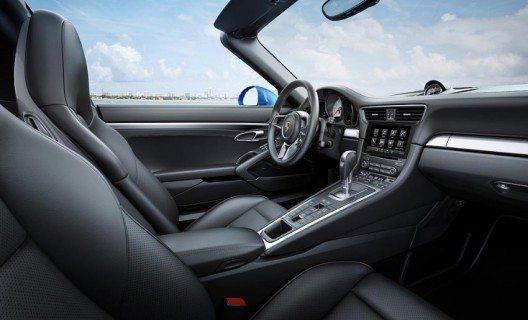 Die neuen 911-Modelle verfügen erstmals über einen Mode-Schalter im Lenkrad.