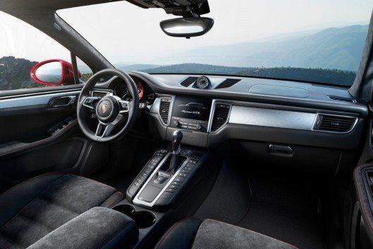 Das neue Porsche Communication Management (PCM) feiert im Macan GTS seine SUV-Premiere.