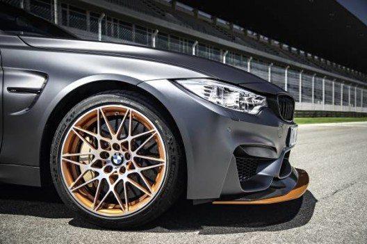 Das eigens für den BMW M4 GTS abgestimmte 3-Wege M Gewindefahrwerk lässt sich individuell einstellen.