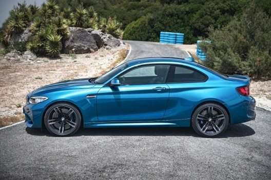 Bereits auf den ersten Blick ist das neue BMW M2 Coupé als Mitglied der BMW M Familie zu erkennen.