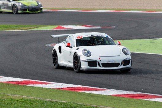 Den Sprint des Porsche Sports Cup gewann Giuliano Longa auf 991 GT3 RS. (Bild: © Dirk Michael Deckbar)