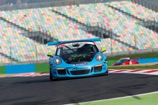 Von Burg verteidigte seine Führung und gewann dadurch den Sprint der GT3 Cup Challenge. (Bild: © Dirk Michael Deckbar)