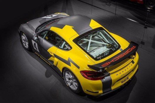 Der neue Cayman GT4 Clubsport erweitert das Angebot der Porsche-Rennfahrzeuge.