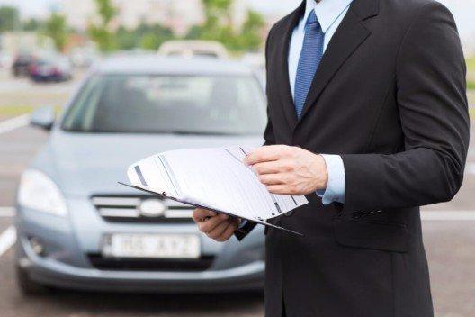 Die Kfz-Versicherer stehen vor grossen Herausforderungen. (Bild: © Syda Productions - shutterstock.com)
