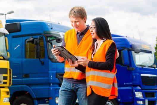Der Schweizerische Nutzfahrzeugverband ASTAG will das Engagement in der Aus- und Weiterbildung zugunsten des gesamten Transportgewerbes stärken. (Bild: Kzenon – Shutterstock.com)